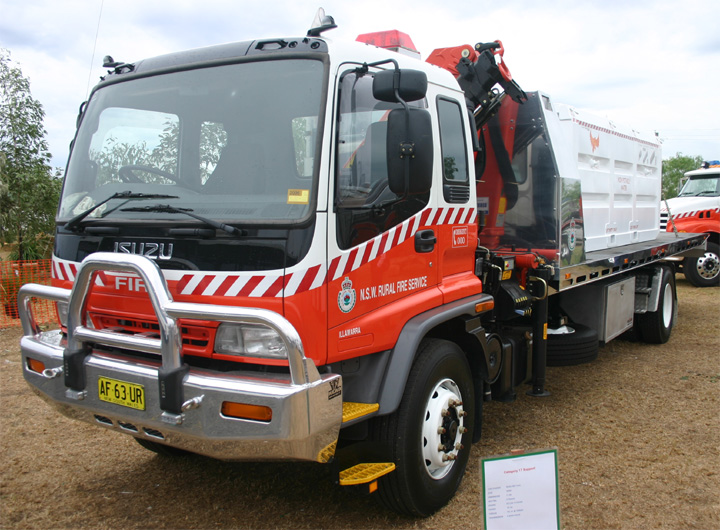 Fire engines photos nsw rural fire service flat bed truck nsw rural fire service flat bed truck publicscrutiny Images