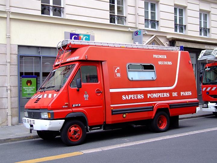 Sapeurs Pompiers de Paris Renault B110