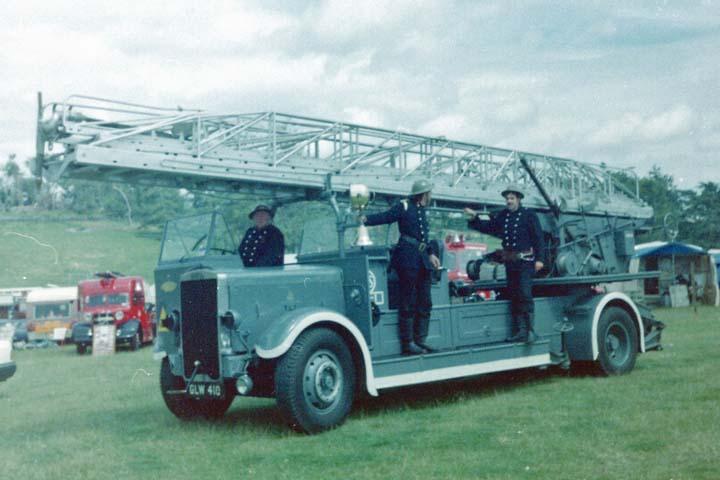 1942 Leyland / Merryweather 100'Turntable Ladder