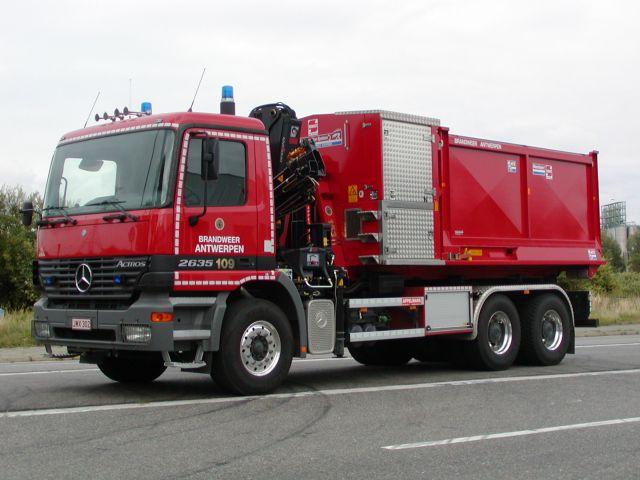 Brandweer Antwerpen Mercedes Actros Prime mover