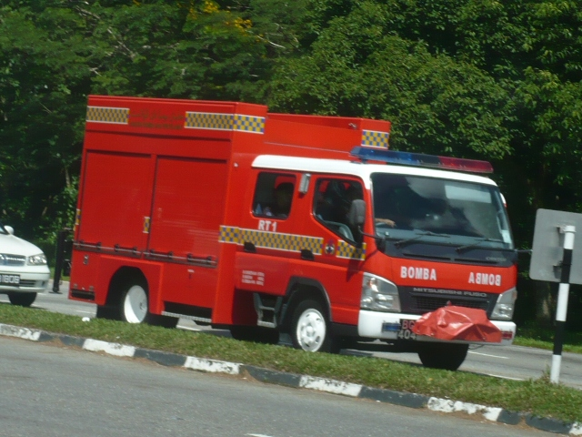 Mitsubishi Canter / Fabristeel Rescue Tender no.1