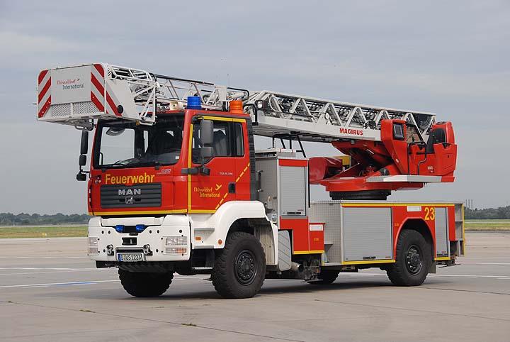 Flughafenfeuerwehr Düsseldorf Fox 23 MAN Magirus