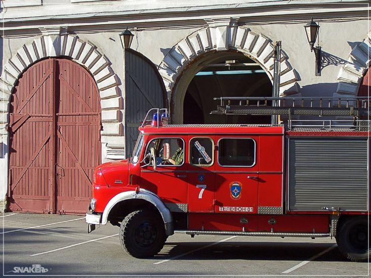 Fire engines photos mercedes benz 1113 st petersburg russia for Mercedes benz st petersburg
