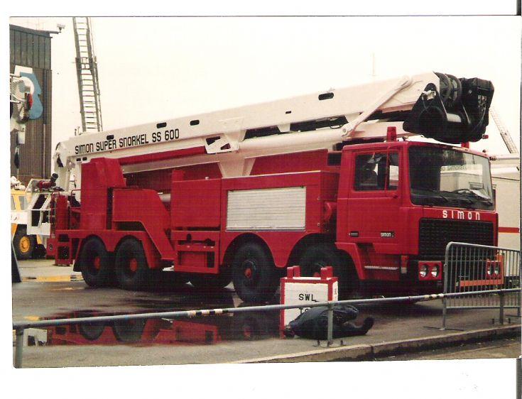 Simon Super Snorkel SS600 Hydraulic Platform