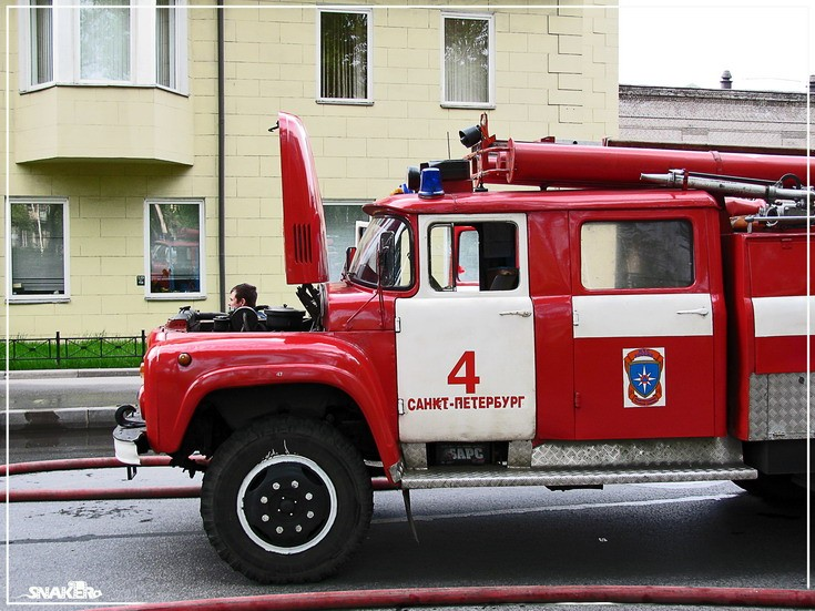 Image of a Zil-130 Fire engine St Petersburg