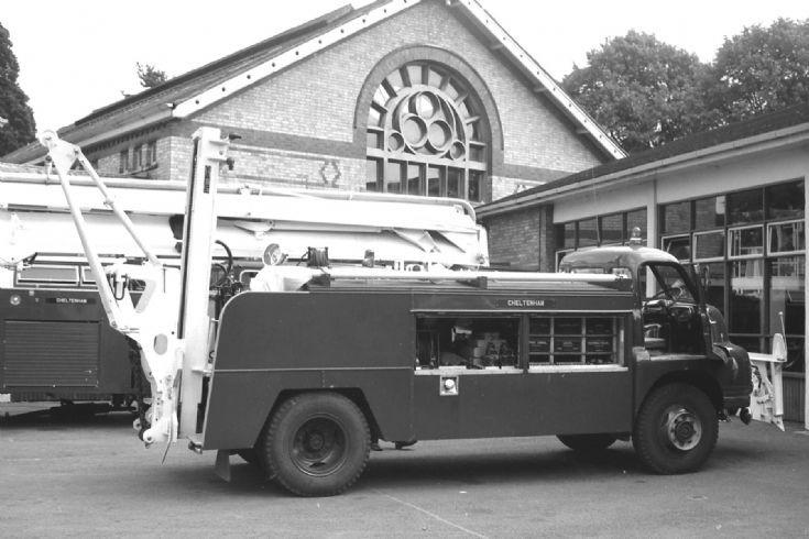 Gloucesterhire's Bedford rescue Cheltenham