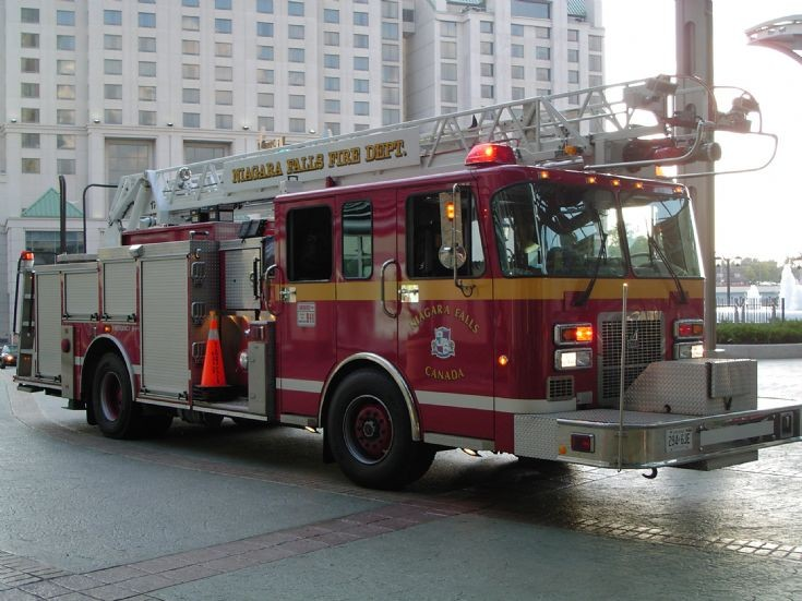 Niagara Falls Canada Fire engine