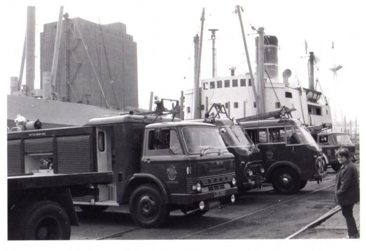 Sharpness docks Fire appliances