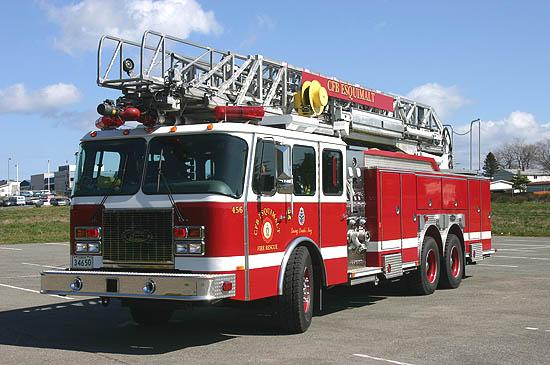 Ladder 456 - 100 Ft. E-One Quint. CFB Esquimalt