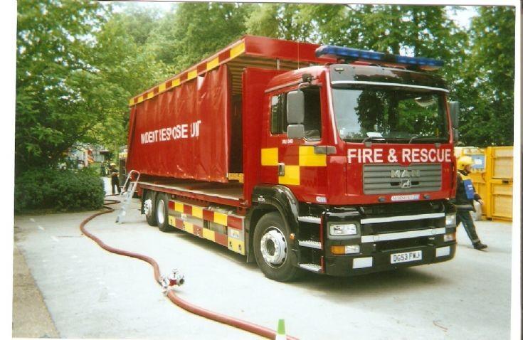DG53FWJ Dorset Fire And Rescue Service 2007