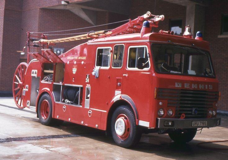 Fire Engines Photos Lfb 1983 Dennis