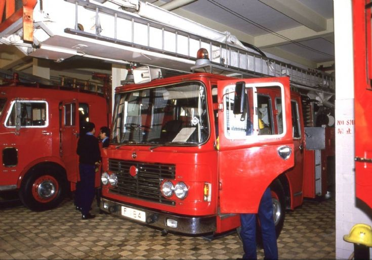 Hong Kong Fire Services F 184 Skylift