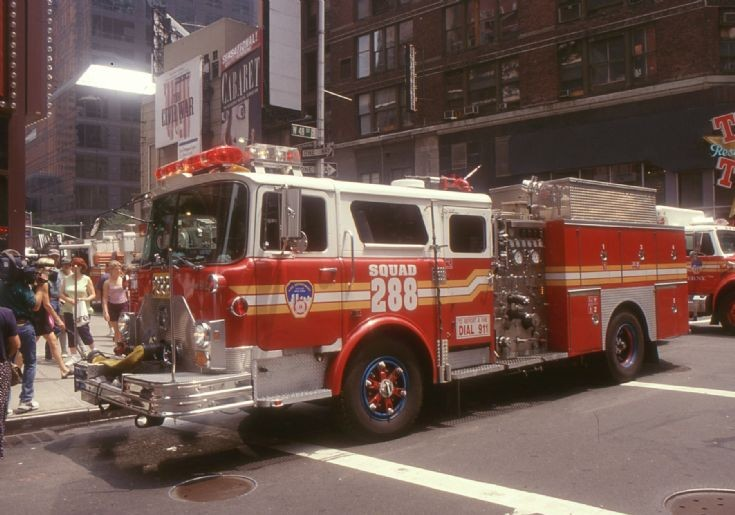 NYFD - 1999 Squad 288 Mack