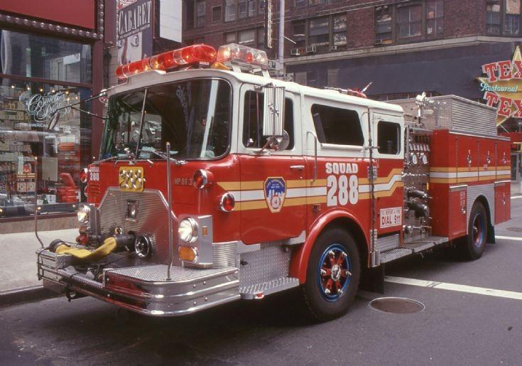 NYFD - 1999 Squad 288 Mack CF