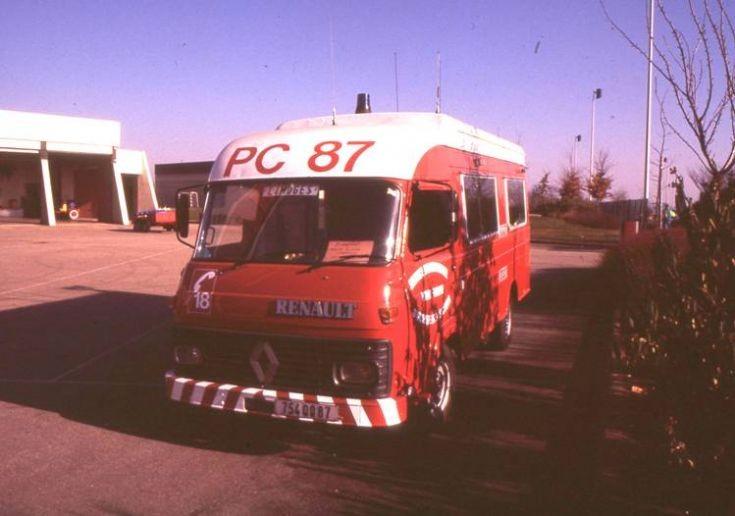Sapeurs Pompiers Limoges Renault Command van