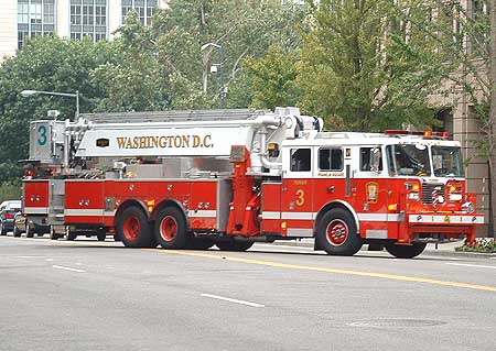 Seagrave Fire Apparatus >> Fire Engines Photos - Tower Ladder 3 - Washington, DC