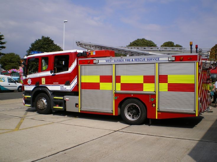 Fire Engines Photos West Sussex Frs Scania