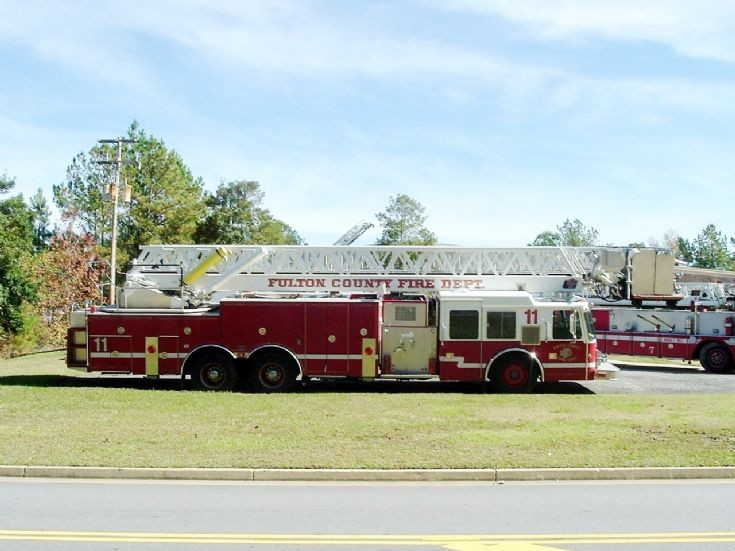 Fulton County Fire Department Ladder Truck 11