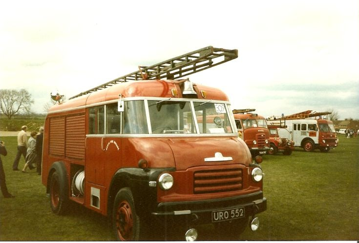 Bedford /Miles HRT ex Hertfordshire  URO 552