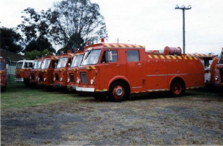 Dennis D water tenders, Australia