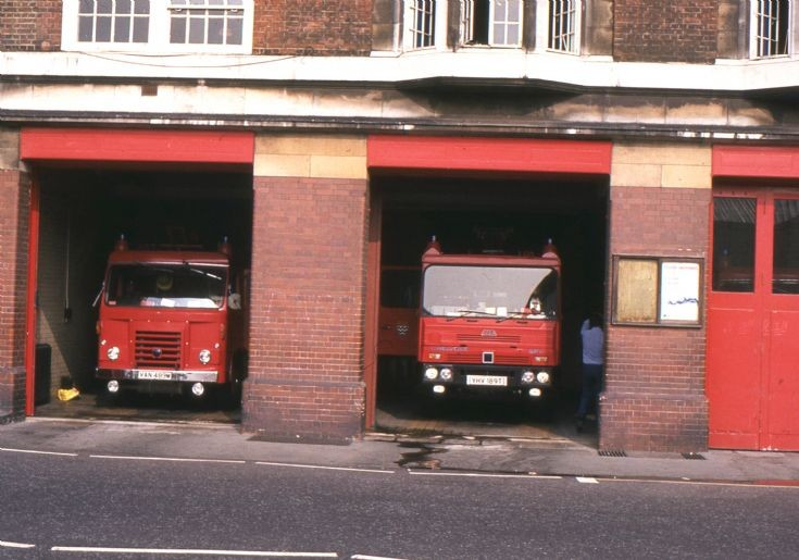 Fire Engines Photos - London Fire Brigade pumpers