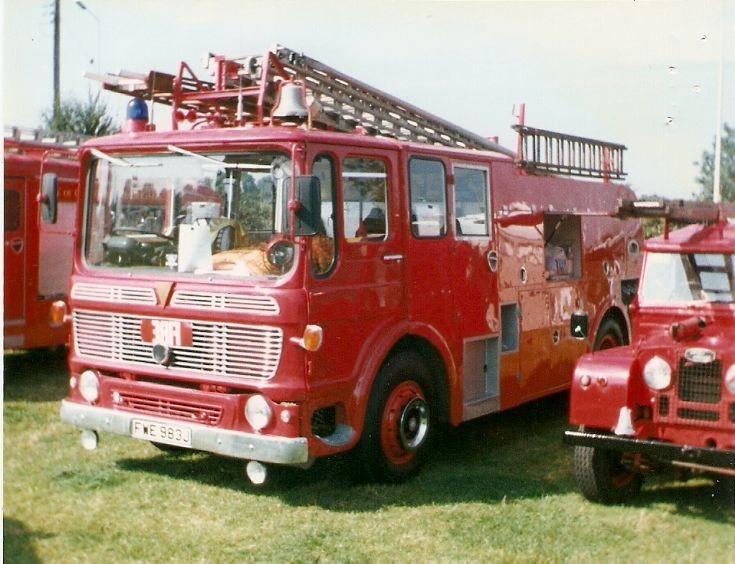 AEC  Fire Engine   FWE  983J