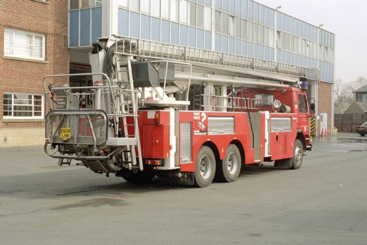 Scania E604LHN Cleveland.