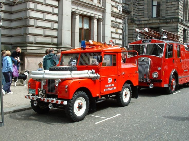 fire engines photos land rover in glasgow. Black Bedroom Furniture Sets. Home Design Ideas