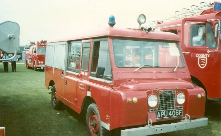Land Rover FC L4P Civil Aid APU 406F