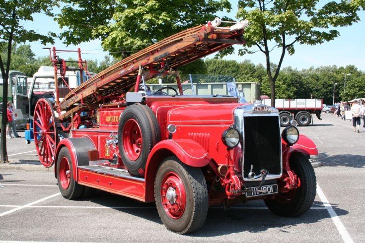 Fire Engines Photos - Leyland Lioness Fire Engine