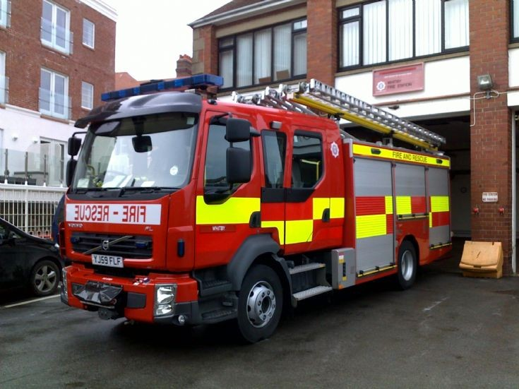 NYFRS Rescue Pump YJ59FLF at Whitby