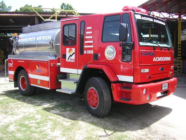 Fire Engines Photos Ford Truck Tank Fire Brigade Merida