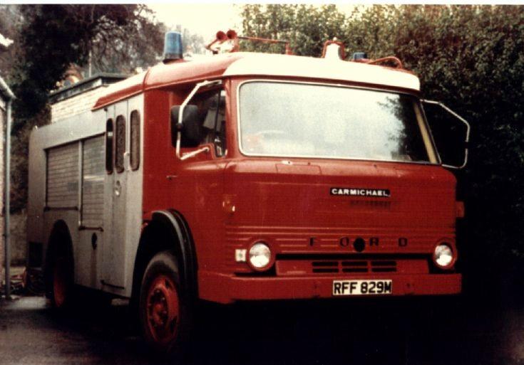 Ford D809/Carmichael WrT