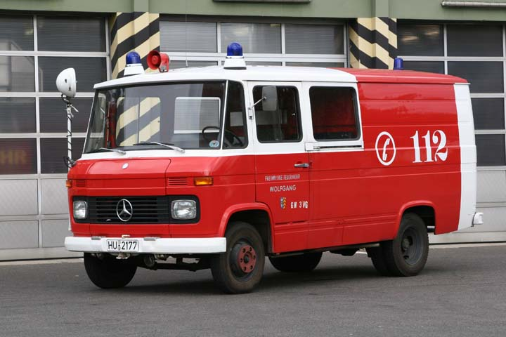 fire engines photos fire brigade hanau good old mercedes. Black Bedroom Furniture Sets. Home Design Ideas