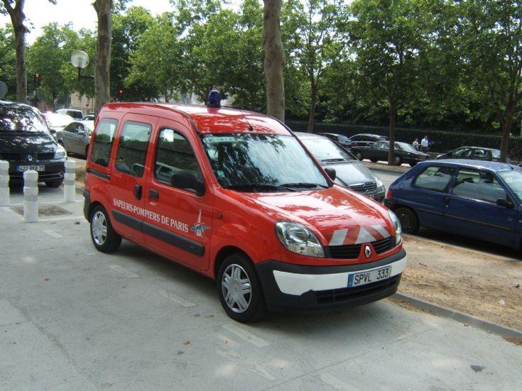 Paris fire brigade liaisons duties Kangoo.