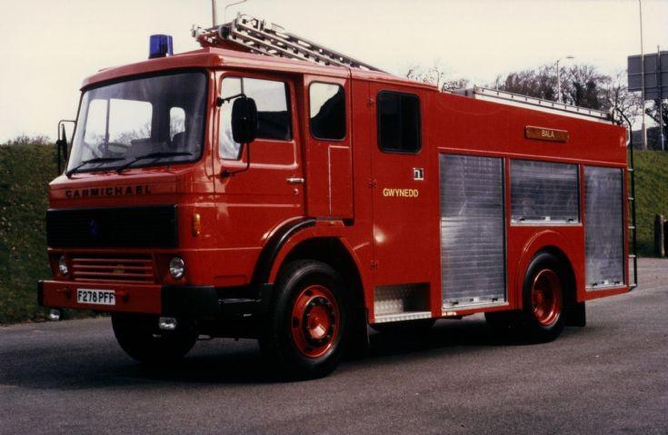 Renault-Dodge G13/Carmichael WrT