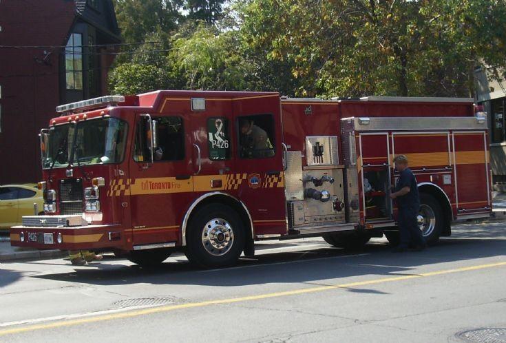 Toronto Fire Services pump 426