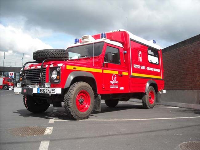 Ambulance Land Rover