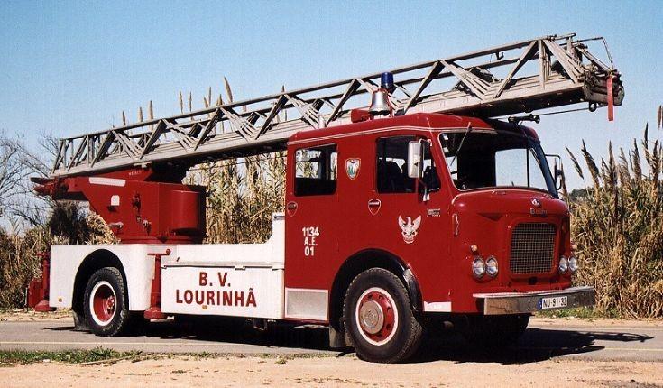 Auto escada BOMBEIROS LOURINHÃ-PORTUGAL