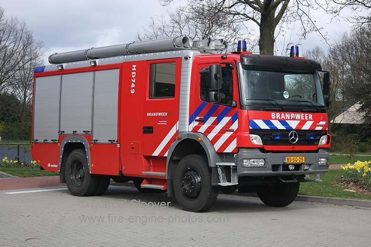 Brandweer Helden HD749 Mercedes Kenbri Rosenbauer