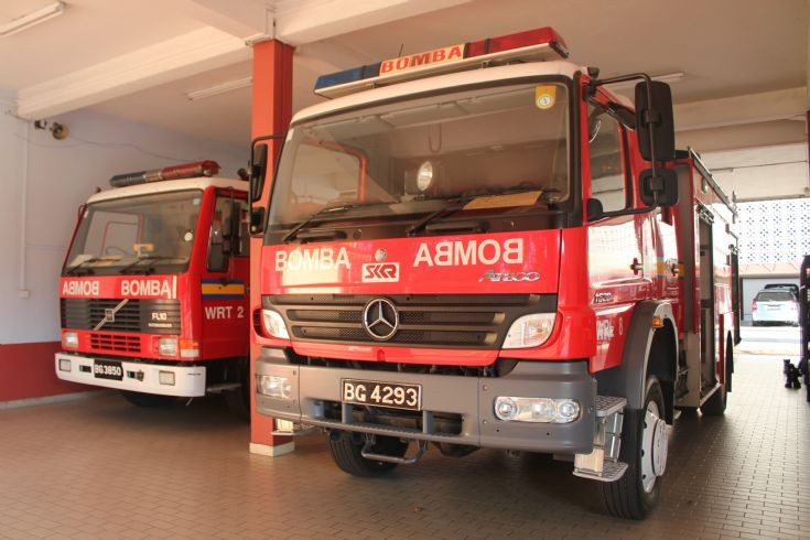 WRT 2 and WRL8 Brunei Fire and Rescue Department