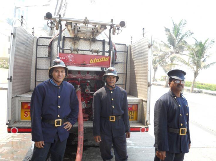Neighbours apartment fire in Mumbai