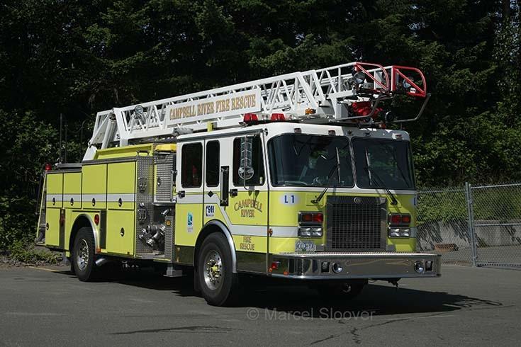 Ladder 1 Spartan Campbell Fire dept Canada