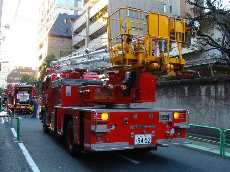 Isuzu Skylift - Tokyo FD (Kojimachi)