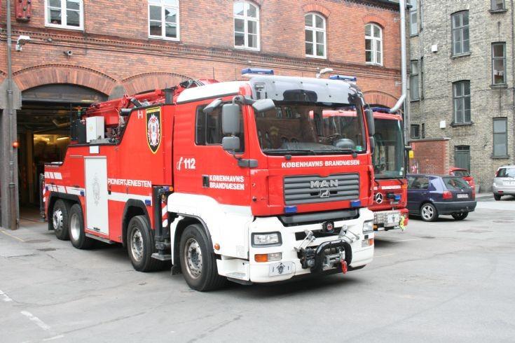 Copenhagen Fire department MAN large crane