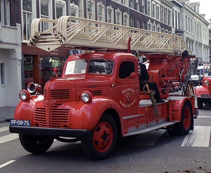 Brandweer Bergen op Zoom Dodge ladder