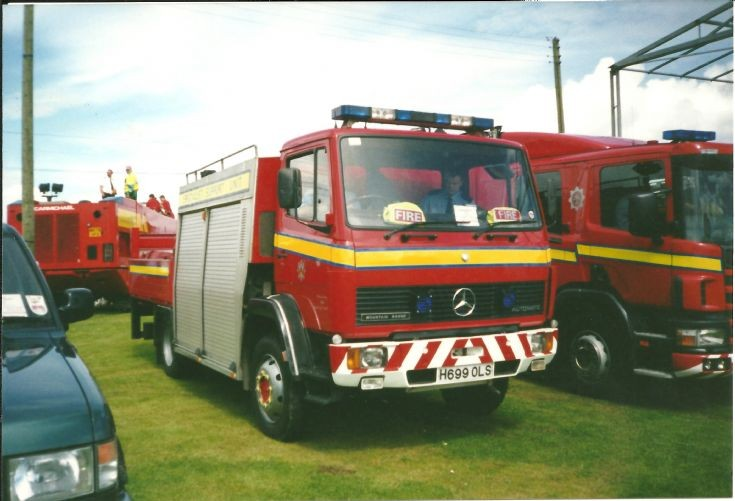 Fire Engines Photos - Central Scotland H699OLS