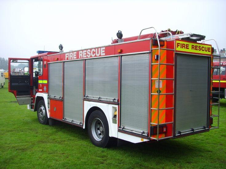 M919SVN - Cleveland Fire Brigade Emergency Tender