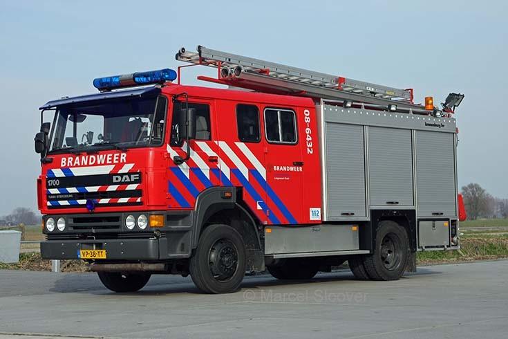 Brandweer Lingewaal DAF FF1700 Kronenburg