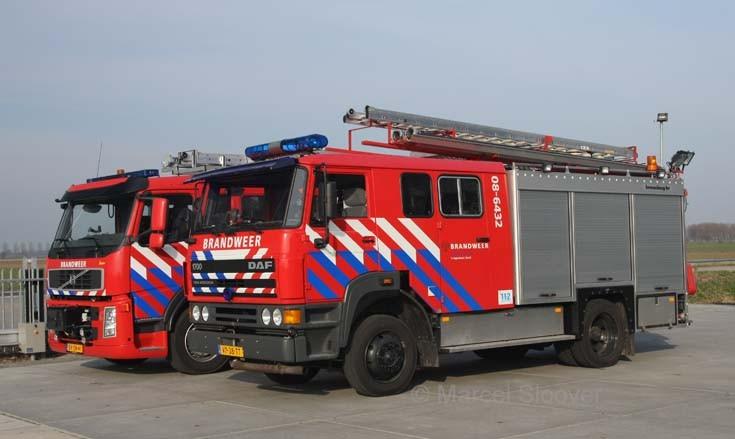 DAF en Volvo brandweer Lingewaal zuid